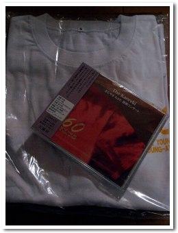 CDとTシャツ